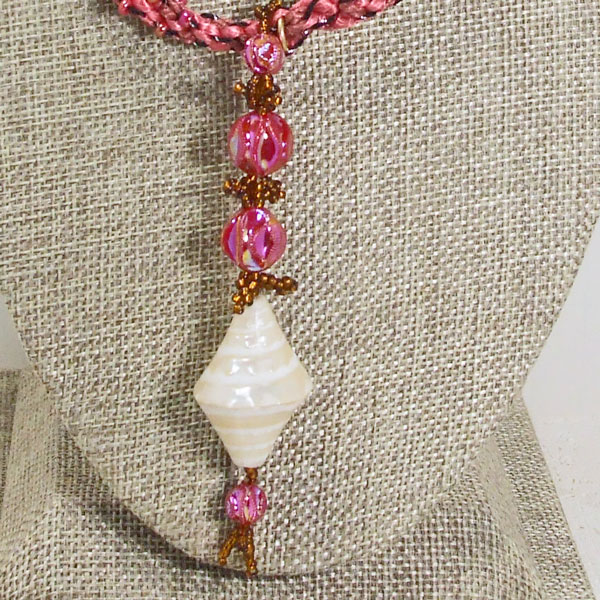 Saffi Beaded Jewelry Pendant Necklace blow up view