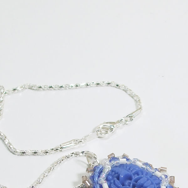 Tailer Bead Embroidery Cabochon Pendant Necklace clasp view