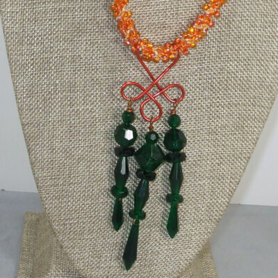 Umeko Wire Design Beaded Pendant Necklace front front close view