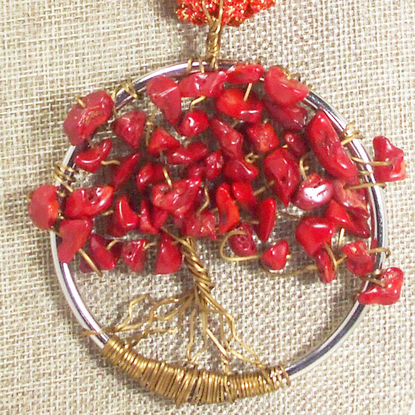 Vanda Wire Hoop Pendant Necklace blow up view