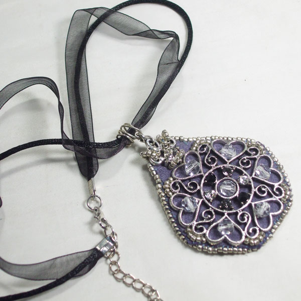 Medieval Hearts Woven Bead Pendant flat view