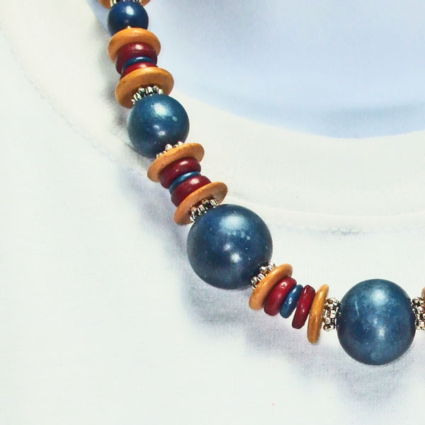 Edgarda Beaded Costume Jewelry Necklace blow up view