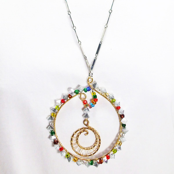 Oihane Wire Design Beaded Jewelry Pendant Necklace close up view