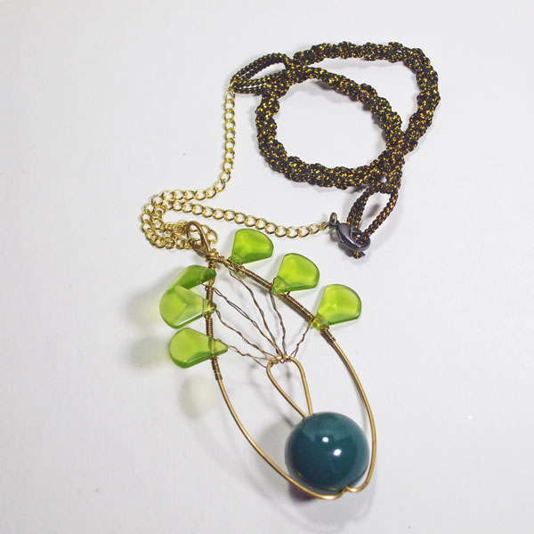 Saffron Wire Design Beaded Jewelry Pendant Necklace flat view