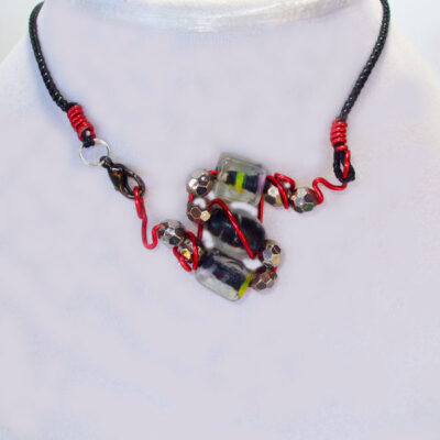 Banon Wire Design Beaded Jewelry Necklace front view
