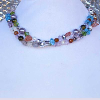Lee Lee Beauty No 4 - multi colored bead necklace