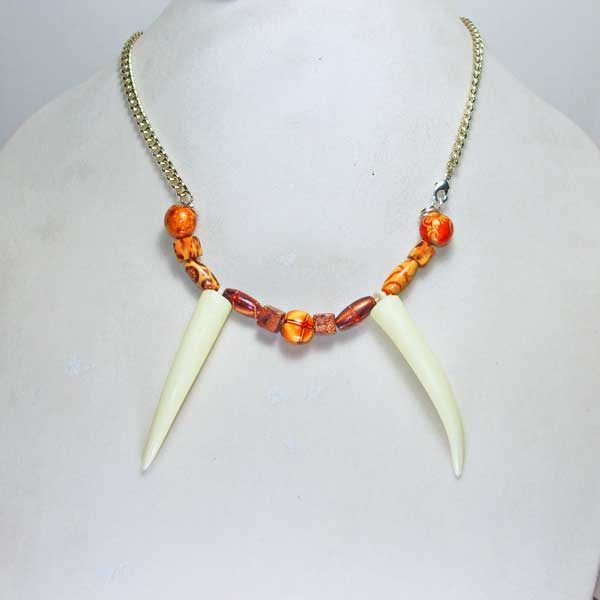Wooden-beads-with-Husk-Necklace front view