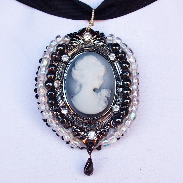 Cameo Lady with Rose Pendant showing close up of front