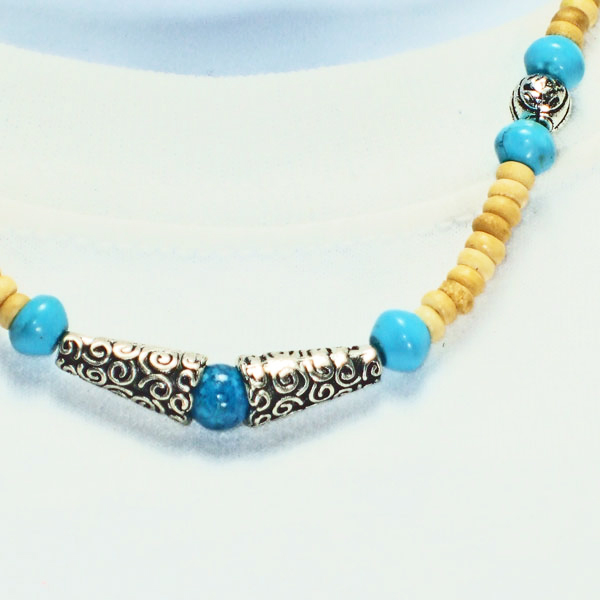 Kahli Beaded Costume Jewelry Necklace close up view