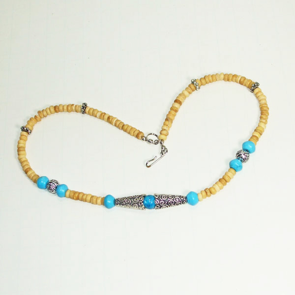 Kahli Beaded Costume Jewelry Necklace flat view